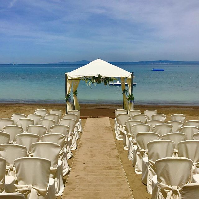 Preparando il matrimonio di questa sera! #puntaala #wedding #maremma #italy #weddingonthebeach #summer #beach #sea #specialday